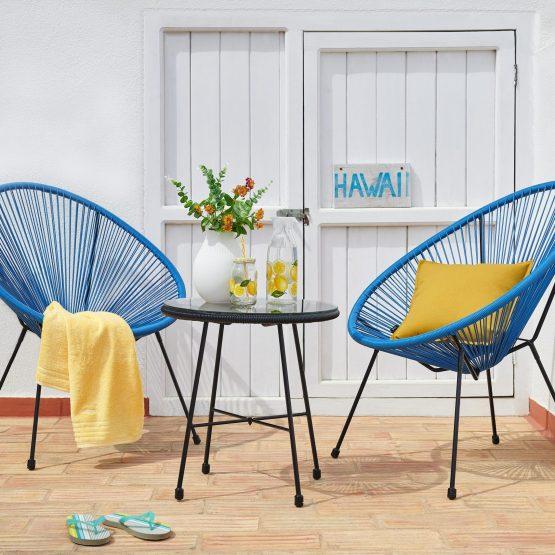 Mit diesem Gartensessel im Acapulco-Design in Blau holen Sie das Kultmöbel aus Mexiko direkt zu sich nach Hause. Die abstrakte Optik zeichnet sich durch eine luftige Bespannung ausKunststoffkordelnsowie den formschönen Metallgestell aus. Durch die runde Linienführung erhält der aquafarbene Stuhl eine stylishe Silhouette
