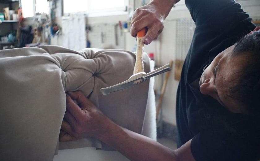 Vzrzevanje sedeznih garnitur tapeciranje