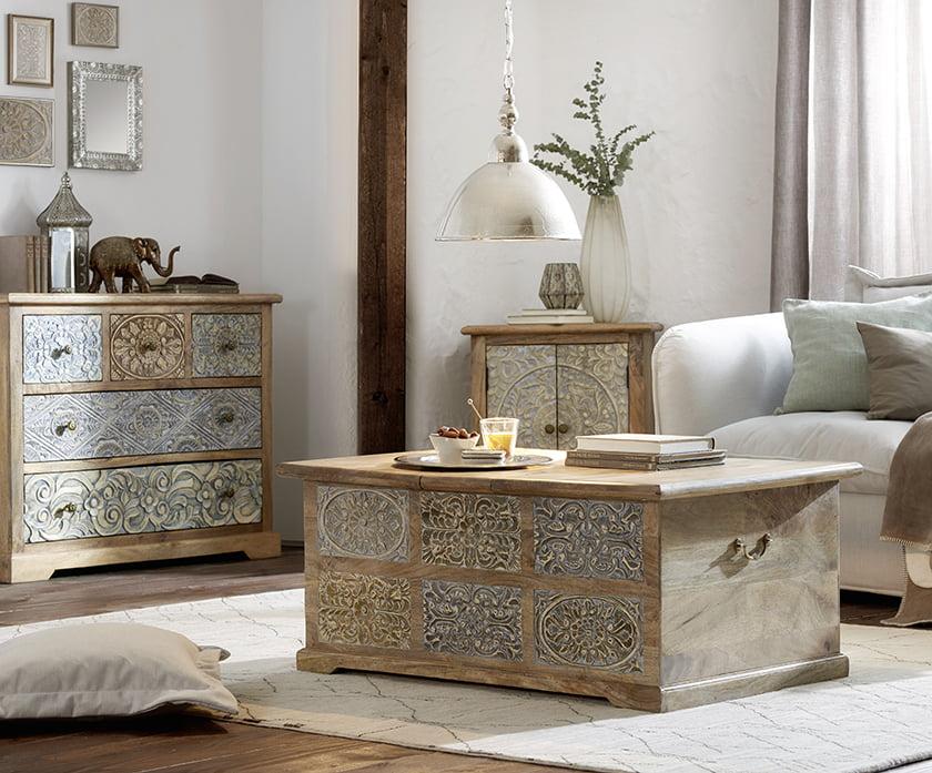 dnevna soba lesena klubska mizica