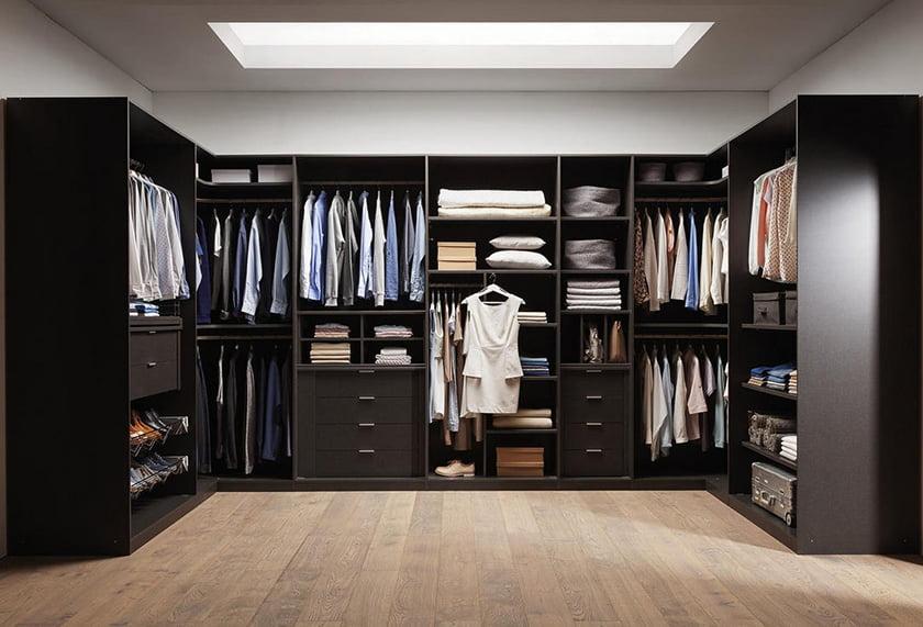 garderobna soba omara
