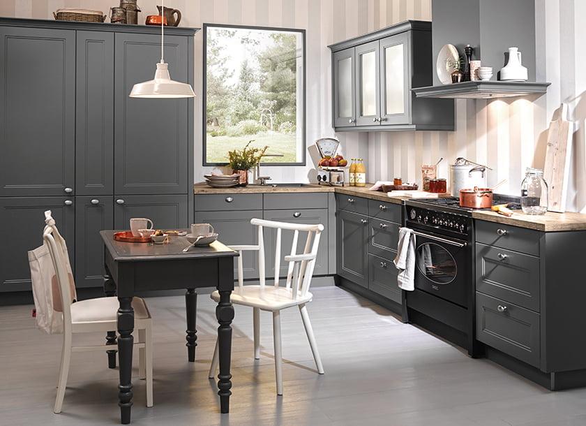 podeželska kuhinja klasika dieter knoll elegantne sive barve
