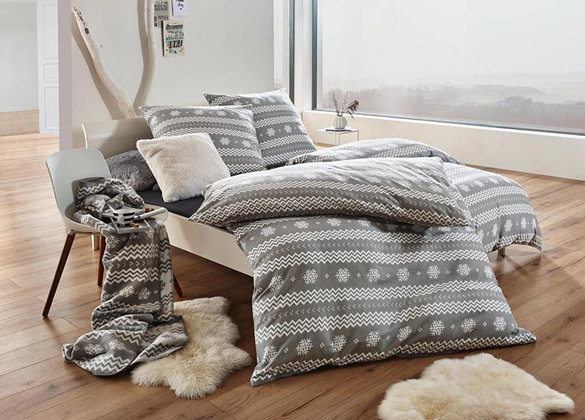 posteljnina nordijska svetle barve posteljnina vzglavniki odeje dekor dodatki