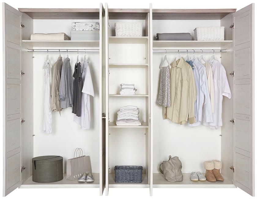 spalnica garderobne omare notranjost omare police predali obešalniki