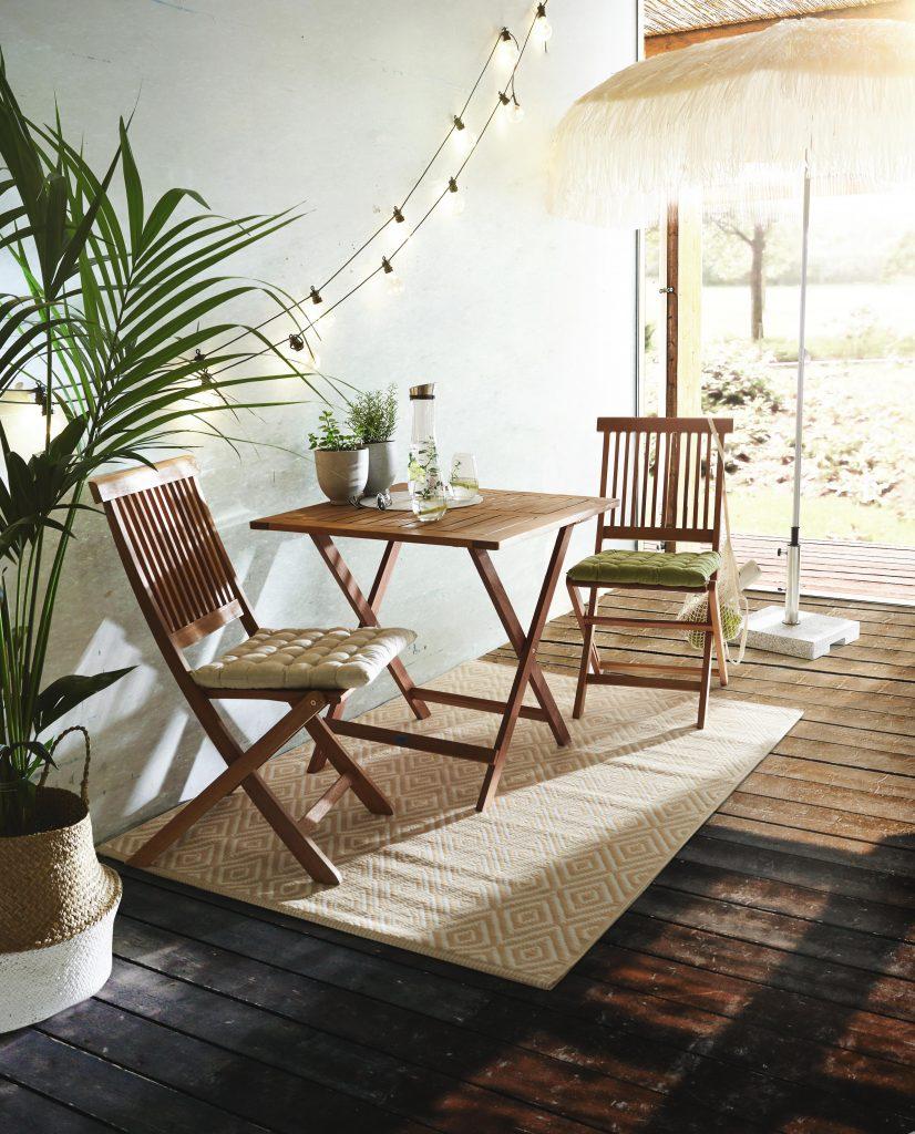 Vrtni stoli miza kot balkonske garniture