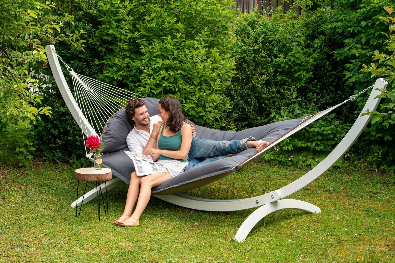 Družinska zunanja viseča mreža s palicami FAT HAMMOCK Taupe