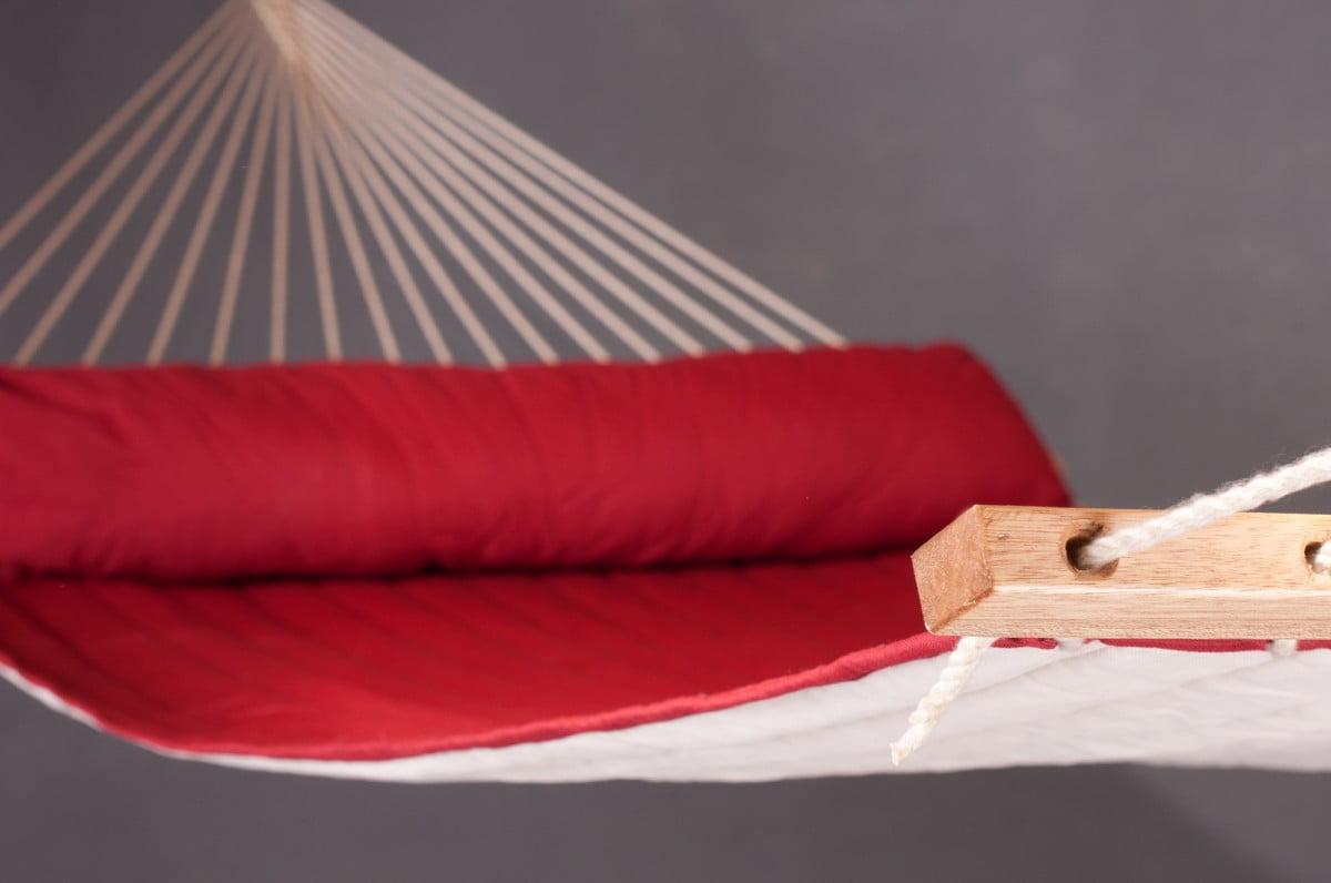 Družinska zunanja viseča mreža z robnimi palicami ALABAMA Red Pepper