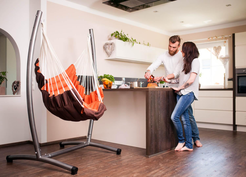 Velik oblazinjen viseči stol BRASIL CALIFORNIA Terracotta