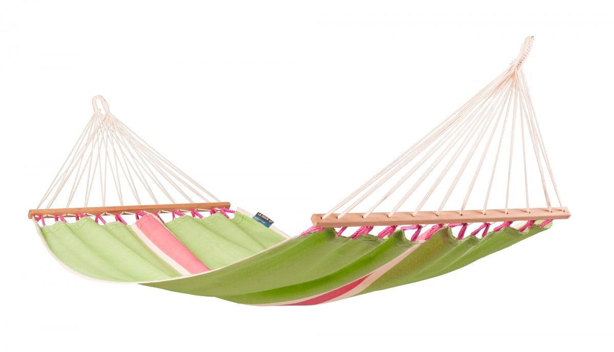 Viseča mreža La Siesta FRUTA je izdelana iz vodoodpornega materiala