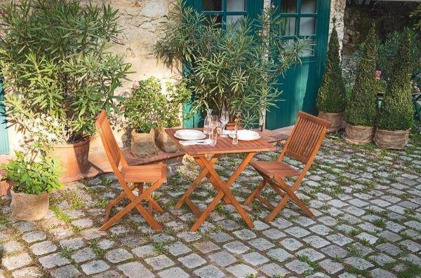 Leseni vrtni stoli